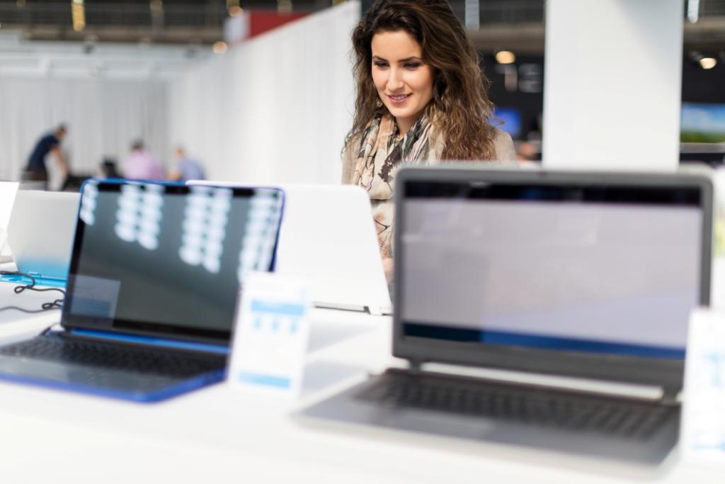 Retail computer sales